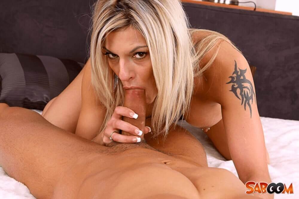 porno blondine beim hardcore kehlenfick