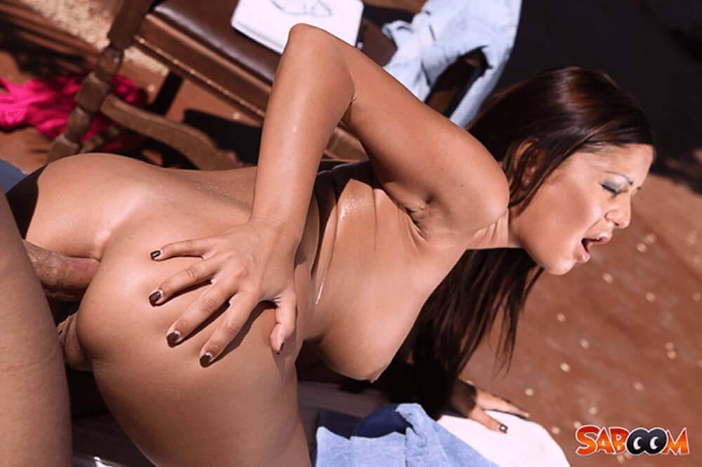 Tabuloses Arschfick Bild mit sexy Latina beim AO Analverkehr